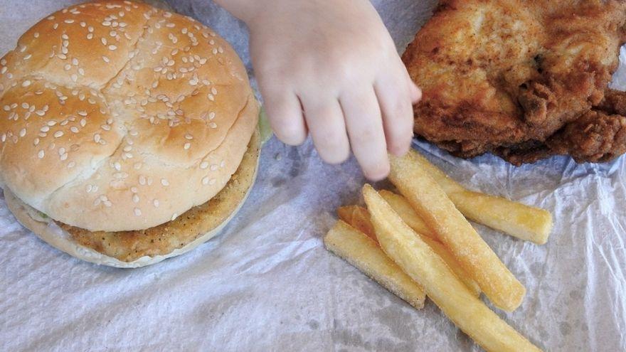 Cómo combatir la alarmante obesidad infantil que ha dejado la COVID-19